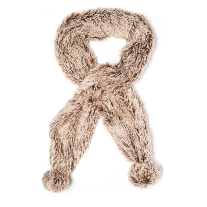 Price for a Pack of 6 Faux fur Scarves in assorted colours.